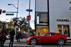 Beverly Hills Tourism Gives a Facelift to Its Shopping and Evening Strategy in Amazon Era