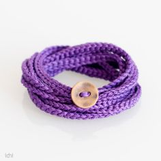 crochet bracelet. Maybe I can make it myself!