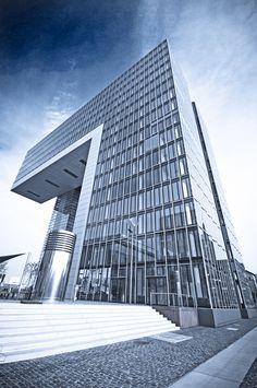 Kranhaus Köln - Köln Innenstadt - Köln ist mit mehr als einer Million Einwohnern die bevölkerungsreichste Stadt des Landes Nordrhein-Westfalen sowie die viertgrößte Stadt Deutschlands | Digital Marketing www.sqlphp.com |