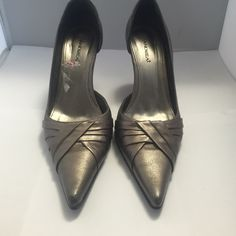 """Excellent condition! Andrea  Metallic Pewter Leather Pumps 8M With 3.5"""" Heels. Andrea Shoes Heels"""