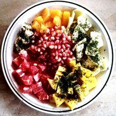 Leckerer Früchteteller mit 6 Früchten Teller, Acai Bowl, Breakfast, Food, Acai Berry Bowl, Morning Coffee, Eten, Meals, Morning Breakfast