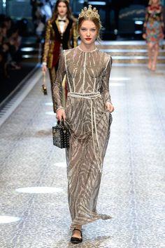 Défilé Dolce & Gabbana prêt-à-porter femme automne-hiver 2017-2018 Femme