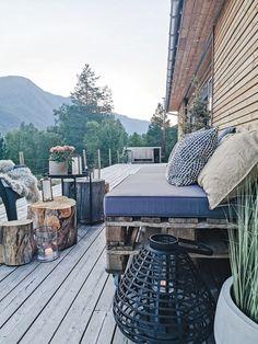 Svenngården: Travel Outdoor Furniture, Outdoor Decor, Sun Lounger, Cabin, Travel, Home Decor, Chaise Longue, Viajes, Decoration Home