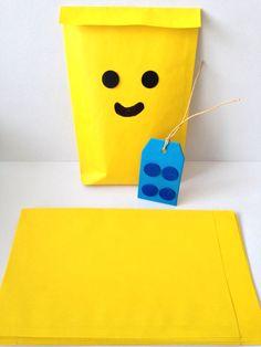 Lego traktatie :-) gele zakjes zijn weer verkrijgbaar!