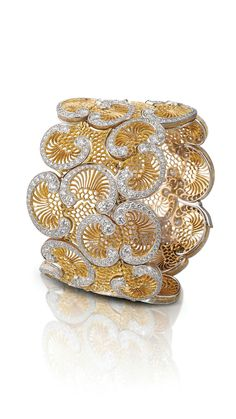 Buccellati's yellow tulle gold and diamond openwork bracelet from the Reimagned High Jewellery Collection