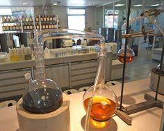 perfume-laboratory-fragonard-grasse-france-cote-d-azur