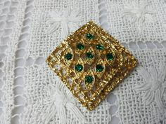 Sarah Coventry  Canada Diamond Green Brooch