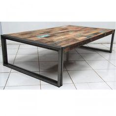 h.35 x l.120 x p.70 Très originale table basse rectangulaire façon Industriel. Cette table de salon est fabriquée en fer dépoli et avec des lattes de bois d'anciens bateaux de pêche voués à la destruction.