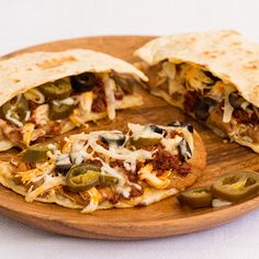 Authentic recipe for Breakfast Quesadillas using traditional ingredients. Tacos, Tostadas, Burritos, Enchiladas, Tex Mex, Mexican Dishes, Mexican Food Recipes, Mexican Pizza, Quesadillas
