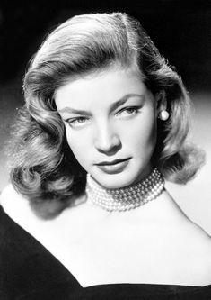 Lauren Bacall: A True Old Hollywood Icon Hollywood Glamour, Vintage Hollywood, Golden Age Of Hollywood, Hollywood Stars, Classic Hollywood, Hollywood Divas, Lauren Bacall, Diana Vreeland, 1940s Pinup