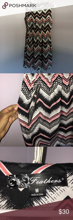 👗Formal cinch waist dress 💕 Black, pink, and white zig zag print dress! Cinch waist with pockets, and never worn. Reaches mid thigh! (From a smoke free household) 💖PLEASE MAKE A REASONABLE OFFER💖 Dresses