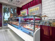 Arredamento locali personalizzato su misura by ISA - Interior design customized. #bar #gelaterie #pasticcerie #pastry #arredamento www.isaitaly.com