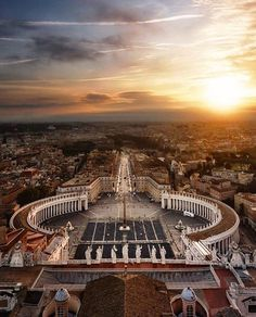 Hotels-live.com/pages/sejours-pas-chers - Perfect symmetry at Plaza San Pietro in Rome Italy. Photo shot by @massimo_cuomo_photography  If you want to be featured here DM or tag me in your photo.  #mytravelgoals #mtg #mytravelgram #mytripmyadventure #travel #travels #travelbug #travelgoals #trek #instaglobal #wanderlust #italy #italia #italian_places #rome #roma #piazzasanpietro #plazasanpietro Hotels-live.com via https://www.instagram.com/p/BECGL9ZIs51/