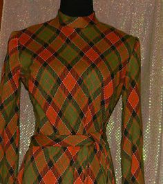"""Vintage """"Leonard Tuttman"""" 60s 70s Mod Plaid Dress Size: Medium"""
