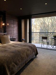 Dark Master Bedroom, Dark Wood Bedroom, Fancy Bedroom, Modern Luxury Bedroom, Luxury Bedroom Design, Luxurious Bedrooms, Bedroom Decorating Tips, Home Decor Bedroom, Bedroom Ideas