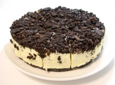 a Oreo cheesecake recipe, which is one of the quick easy desserts I like to to make. This is part of a series of hubs on Oreo cookie recipes. It is best to make this Oreo cheesecake recipe the day before so it has ample time to cool. Quick Easy Desserts, Just Desserts, Delicious Desserts, Yummy Treats, Sweet Treats, Dessert Recipes, The Best Oreo Cheesecake Recipe, Oreo Cookie Recipes, Baking Recipes