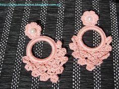 Cute Crochet, Crochet Crafts, Bead Crafts, Crochet Projects, Seed Bead Earrings, Diy Earrings, Earrings Handmade, Handmade Jewelry, Crochet Earrings Pattern