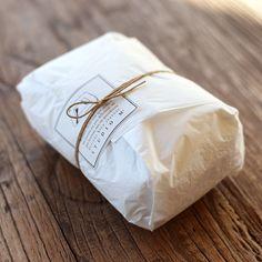 マルミツウェブストア -marumitsu web store- / 商品リスト Dessert Packaging, Bread Packaging, Bakery Packaging, Cookie Packaging, Food Packaging Design, Packaging Design Inspiration, Gift Packaging, Bakery Branding, Clothing Packaging