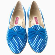 On est absolument fans de ces slippers à petits pois Carel ! http://www.doitinparis.com/fr/mode-femme/magazine-femme/les-slippers-de-carel-17143