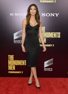 Lily Aldridge Photos - Model Lily Aldridge attends the 'Monument Men' premiere at Ziegfeld Theater on February 2014 in New York City, New York. - 'Monuments Men' Premieres in NYC Santa Monica, Celebrity Red Carpet, Celebrity Style, Star Fashion, Fashion Models, Tokyo Fashion, Fashion Trends, Monument Men, Rainbow Sweater