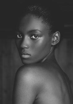 Angolan Beauty : Bruna Agostinho