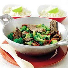 Recept - Roergebakken broccoli met biefstuk en rode peper - Allerhande