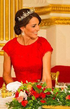 Kate Middleton Shows How to Wear Spring's Most Princess-Worthy Accessory IRL
