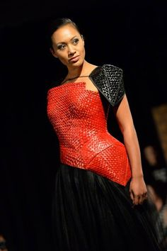 runway look by Shona Tawhiao (Maori) for Australian Indigenous Fashion Week 2014 Fashion Art, Fashion Show, Fashion Outfits, Fashion Design, Island Wear, Maori Designs, Maori Art, Native Style, Different Dresses