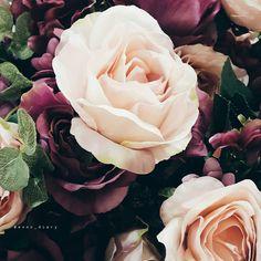 أّلَقَِّسوِةّ لَيَِّّستّ عٌنِوِأّنِ أّلَقِلَوِبِ أّلَمَيِّتّةّ فِّبِعٌض أّلَقِلَوِبِ أّلَطّيِّبِةّ تّقَِّسوِ ﻷنِهِأّ خَأّئفِّةّ عٌلَيِّنِأّ 🌹 . . . #flower #rose #red_rose #love #like #vsco #happy #mood #morning #evining #my_photo #daily_pic #roses #flower_bouquet #followme #like4like #red #my_photography