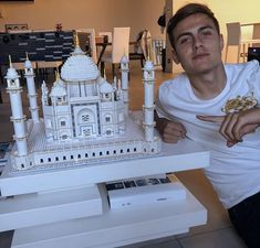 paulo & ori build the taj mahal, paulo seemed very proud of it and that's so cute. Messi Fans, Football Boys, Daddy Issues, Instagram Images, Instagram Posts, Ronaldo, Real Madrid, Statue Of Liberty, Taj Mahal