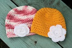 For this one I am using a G hook, and Vannas Choice so it's a little softer for a newborn baby.    FOR BRIMMED HAT   Rnd 1) ch2, 11hdc in...