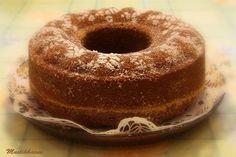 Tämä kakku oli edellisen blogini suosituin ohje. Äitini mielestä ei ole perinteisen piimäkakun voittanutta, meillä tästä pit... Baking Recipes, Cake Recipes, Dessert Recipes, Buttermilk Coffee Cake, Finnish Recipes, Sweet Pastries, Little Cakes, No Bake Desserts, Yummy Cakes