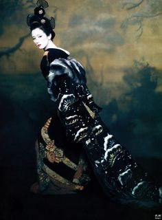 Gong Li posing as Hatsumomo for Vogue during the promotion of Memoirs of a Geisha.
