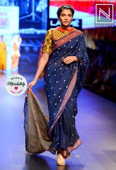 #collar #blouse Indian Blouse, Sari Blouse, Collar Blouse, Indian Sarees, Black Blouse Designs, Saree Blouse Designs, Indian Bridal Wear, Indian Wear, Saree Styles