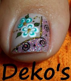 uñas Pedicure Designs, Pedicure Nail Art, Toe Nail Designs, Nail Polish Designs, Toe Nail Art, Manicure And Pedicure, Summer Toe Nails, Spring Nails, Queen Nails