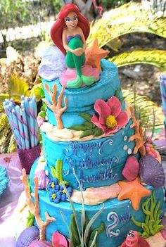 Under the Sea Birthday Party | Little Mermaid Birthday Party | Girl's Birthday Ideas | Under the Sea Cake with Little Mermaid Ariel Topper @Nancy Braun Stimmel Gmomsgoodies think you can pull this off for Alexis' 4th birthday?! HA!