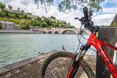 En bicicleta desde Namur a Dinant por la vera del Río Mosa