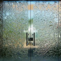 Specializes in design and manufacturing of architectural and decorative glass. Products include shower enclosures, windows, doors, counters and partitions. Glass Partition Designs, Window Glass Design, Bathroom Doors, Glass Bathroom, Crushed Glass, Bathroom Design Luxury, Shower Enclosure, Park Avenue, Glass Doors