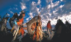 Oregon is host to many local and indigenous cultures. Catch a pow-wow (traditional dance, often with shopping stalls and plenty of delicous food) and take in some of the historic culture! Discover more at traveloregon.com and www.discoveramerica.com