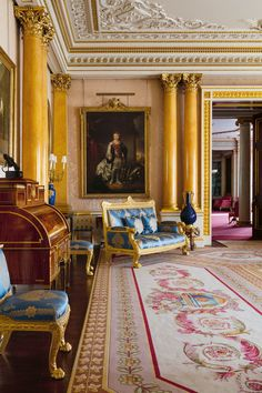 Inside Buckingham Palace's Resplendent, Never-Before-Seen Rooms - Vogue English Interior, Classic Interior, Royal Room, Casa Hotel, Buckingham Palace London, Royal Residence, Marquise, Windsor Castle, Parcs