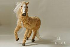 Tia Nuna: Una yegua en amigurumi para la colección de animales