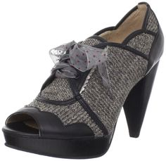 Amazon.com: Poetic Licence Womens Stuck On You Pump: Shoes