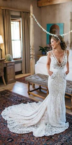V neck Lace Wedding Dresses…