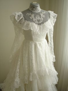 1980's Vintage Antebellum Southern Belle Wedding Dress with 12 Layer Lace Organza  Heart Shaped Train