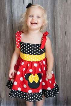 Minnie Mouse dress - too cute Outfits Niños, Disney Outfits, Kids Outfits, Sewing For Kids, Baby Sewing, Fashion Kids, Toddler Dress, Baby Dress, Little Girl Dresses