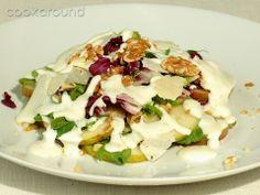 Insalata pere e noci con salsa al gorgonzola: Ricette di Cookaround | Cookaround