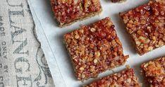 Pour le petit déjeuner ou le goûter, préparez des barres de céréales vegan. C'est sain, nutritif et tellement gourmand!!