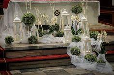Risultati immagini per dekoracja lokal komunia Church Aisle Decorations, Wedding Venue Decorations, Flower Decorations, Church Flower Arrangements, Church Flowers, Floral Arrangements, Wedding Flower Inspiration, Wedding Flowers, Christening Decorations