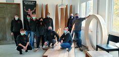 TeamTag der Schreinerei Lohrer GmbH Wir haben einen spannenden Einblick in die Technik des Dampfbiegens von Hölzern im Holzbiegewerk K.Winkler AG in Felsenau erhalten. Danke Roman und Team für die eindrucksvolle Führung durch Eure Firma. Wir können es nur weiterempfehlen - ein toller Firmenevent. www.holzbiegen.ch #schreinereilohrer #holzbiegewerk #massivholz#holzdesign #holzbau #architektur #traumbad #holzbadewannen