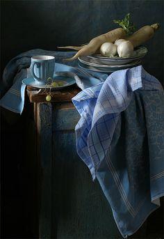 photo: Натюрморт с дайконом и серебристым луком. | photographer: Ира Быкова | WWW.PHOTODOM.COM
